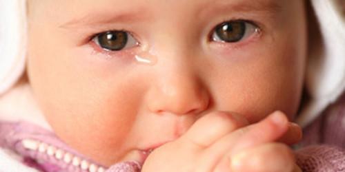 crianca-chorando-na-missa.jpg