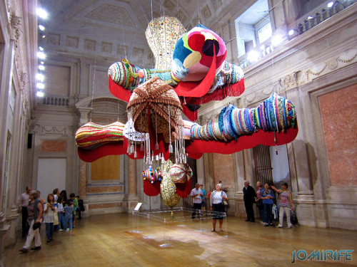 Joana Vasconcelos - Royal Valkyrie 2012 (1) aka Forma gigante de lã [EN] Royal Valkyrie - Giant form with wool