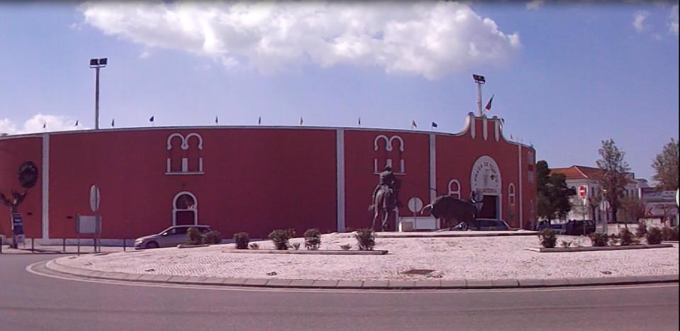 Praça Toiros -  Rotunda 2017.png