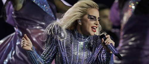 64748248_Singer-Lady-Gaga-performs-during-the-half