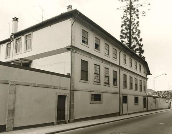 Convento onde a Irmã Maria viveu em Portugal.jpg