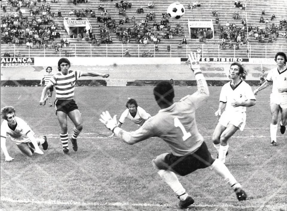 thumbnail_Sporting 4 Farense 1 1975.76.jpg