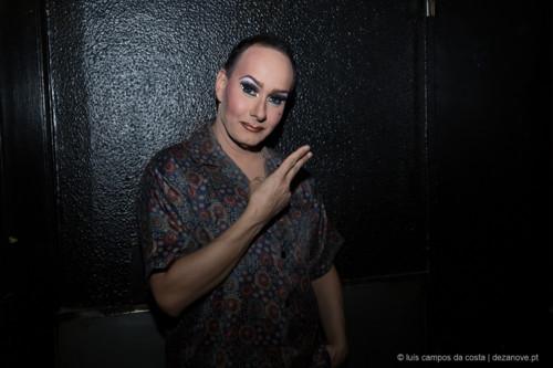 Espectáculo de Transformismo no Finalmente Club, Lisboa. Samatha Rox com maquilhagem finalizada