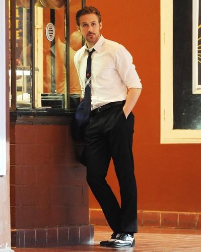 ryan-gosling-on-the-set-of-la-la-land-01.jpg