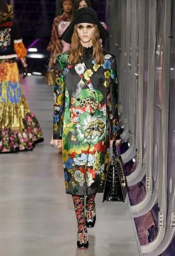 Gucci-desfile-FW17-21.jpg