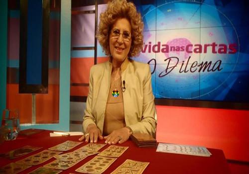 Maria-Helena-Martins-A-Vida-nas-Cartas-1.jpg