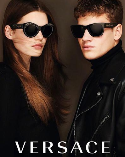 Versace-4.jpg
