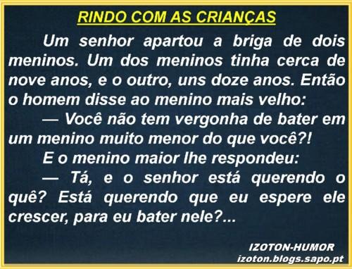 RINDO COM AS CRIANÇAS.jpg
