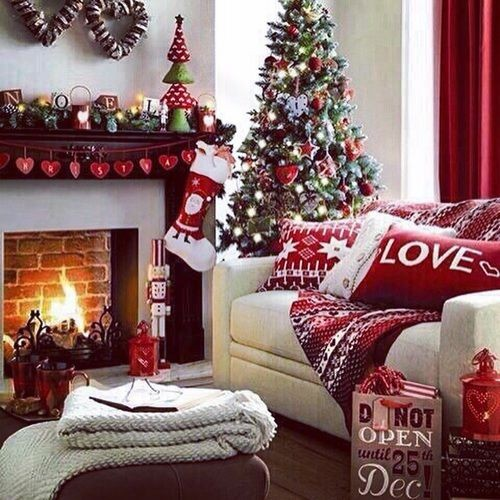 218004-Christmas-Living-Room-Decorations.jpg