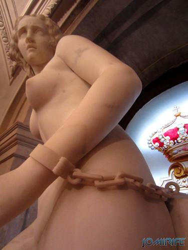 Lisboa - Palácio Nacional da Ajuda - Escadaria nobre - Estátua de mulher acorrentada (1) [en] Lisbon - Ajuda National Palace - Steps noble - Statue of woman chained