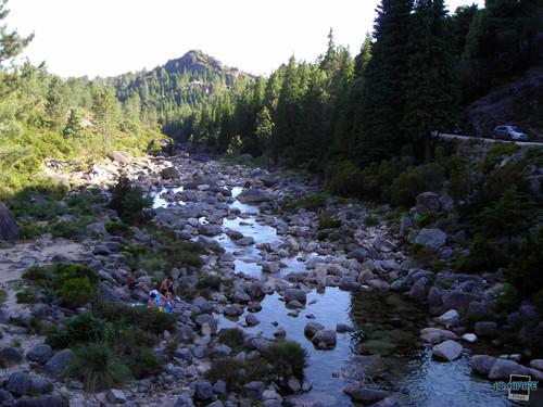 Gerês - Rio entre vales