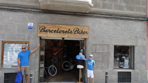 barceloneta_bikes1.jpg