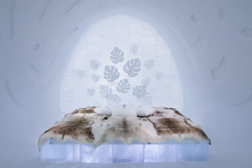 ICEHOTEL-2017-art-images-designboom-010.jpg