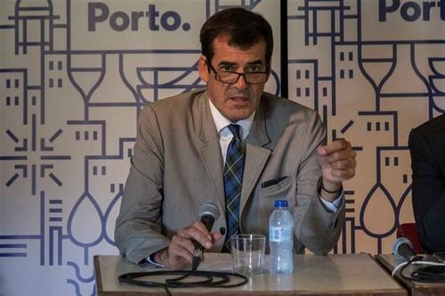 Rui Moreira Acordo do Porto Set2016.jpg