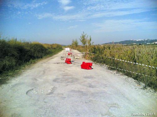 Mau tempo deixa buraco na estrada (1)