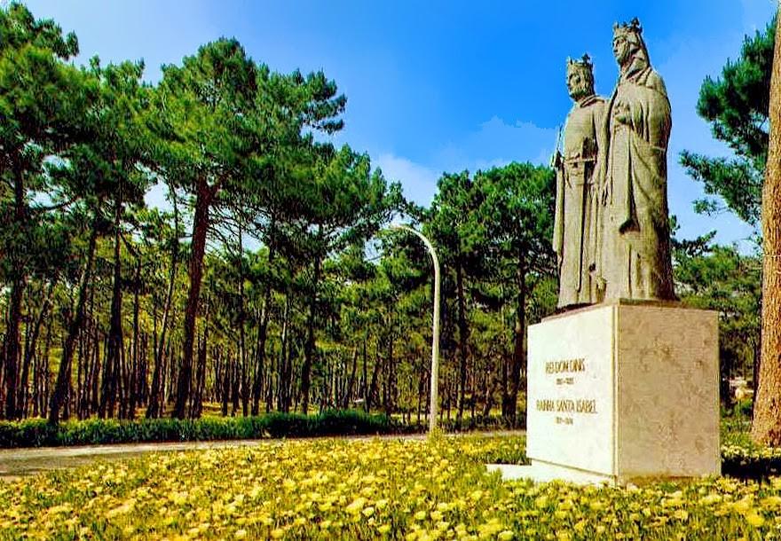 S. Pedro de Moel - Estátua de D. Dinis e da Raín