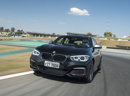 BMW140i_1.jpg