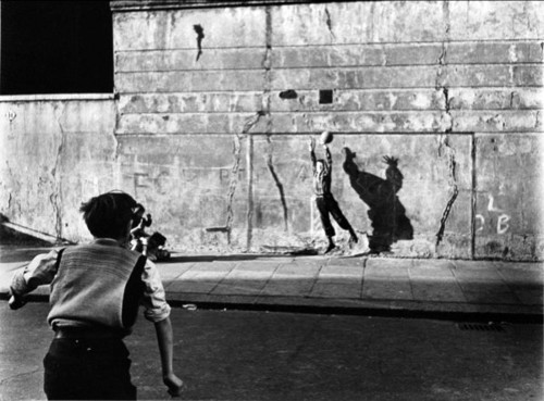 Roger Mayne Footballer and shadow, 1956.jpg