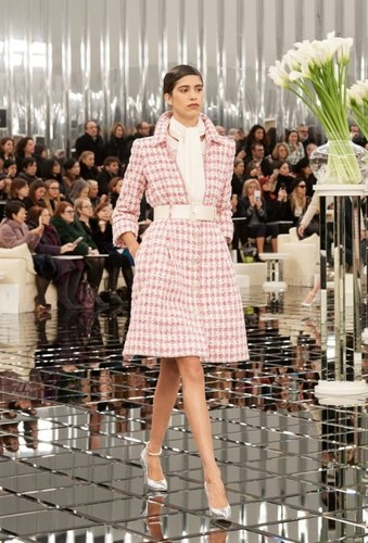 Chanel-Haute-Couture-Spring-2017-Runway03-450x663.