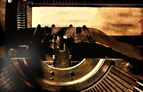 typewriter-1138667_960_720.jpg