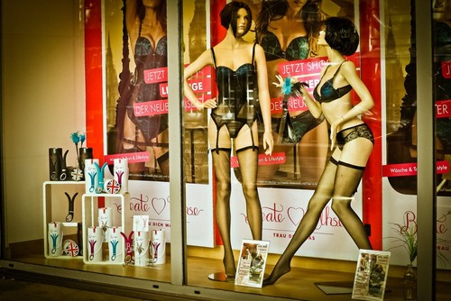 Época de saldos: descontos até 80% em centenas de produtos - Moda & Style