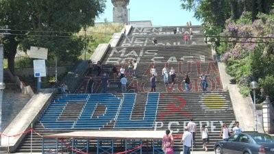 escadarias da universidade de Coimbra vandalizadas