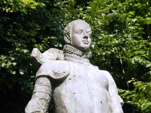 estatua-del-rey-sebastian_2726841.jpg