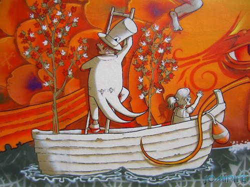 Arte Urbana by Mário Belém - Peixe laranja/Imaginário no CAE na Figueira da Foz Portugal - Elemento homem a subir o peixe (18) [en] Urban art by Mário Belém - Orange Fish/Imaginary in Art Center Figueira da Foz, Portugal