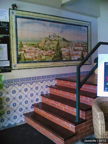 Restaurante «A Grelha» Escadas e azuleijos