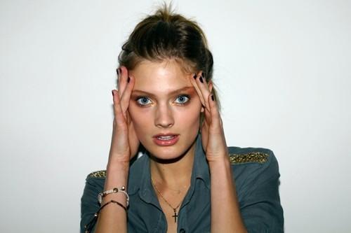 constance jablonski modelo mais francesa mais bonita