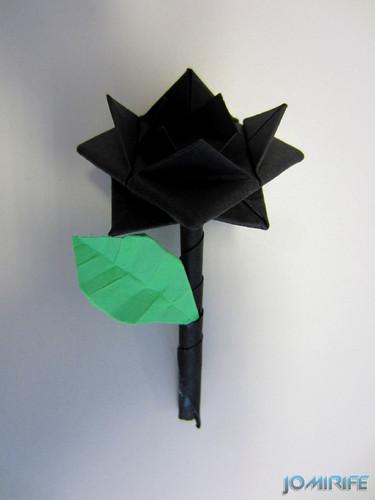 Origami flor preta [en] Origami black flower