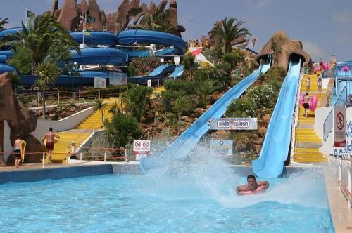 parques-aquaticos-de-portugal.jpg