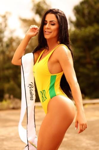 Cinthia Gomes 5.jpg