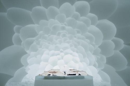 ICEHOTEL-2017-art-images-designboom-02.jpg
