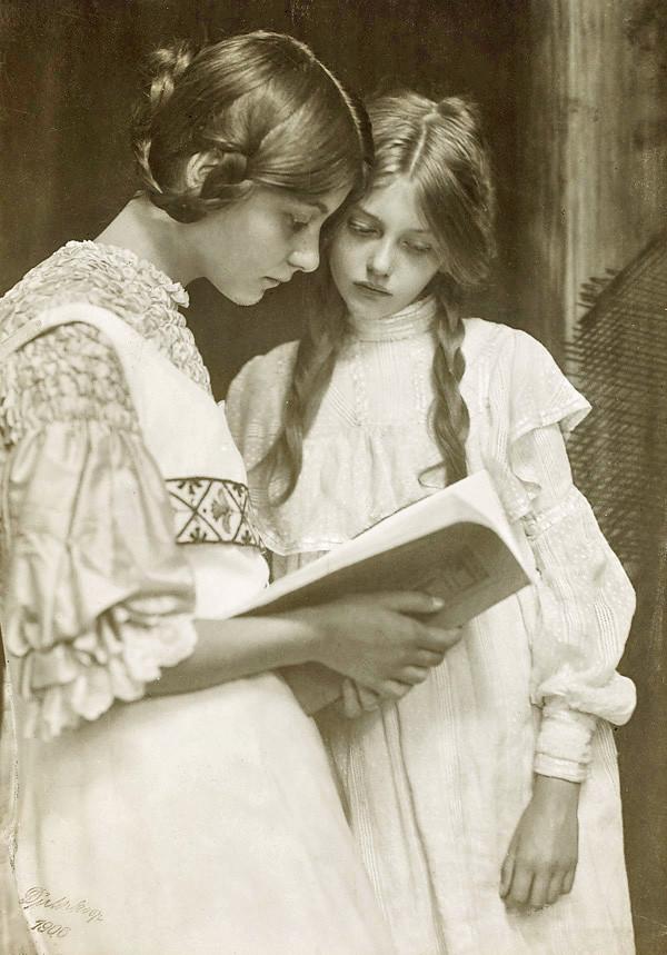 Rudolf Dührkoop, Gertrude und Ursula Falke, 1906