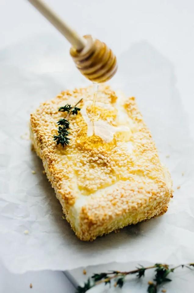 sesame-crusted-feta-5.jpg
