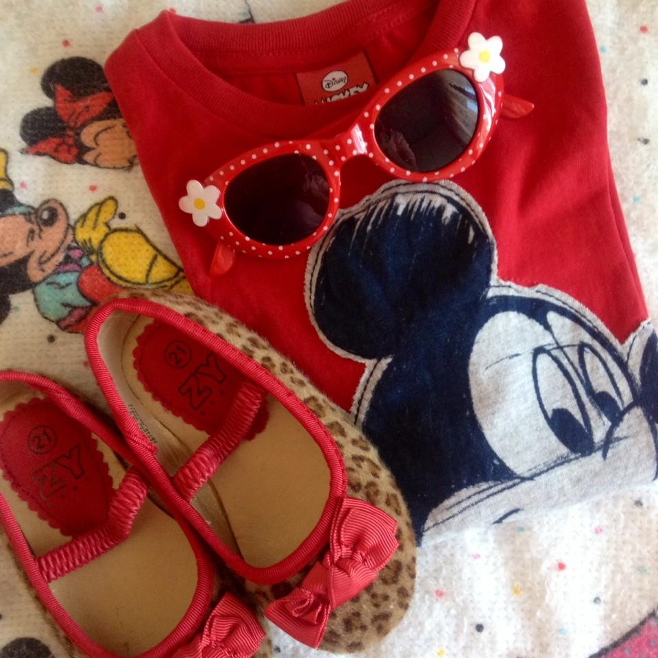 Red lover & Mickey fan