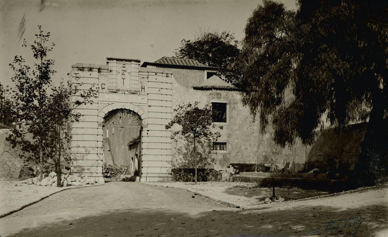 Demolição do Quartel da Cova da Moura, 1947.jpg