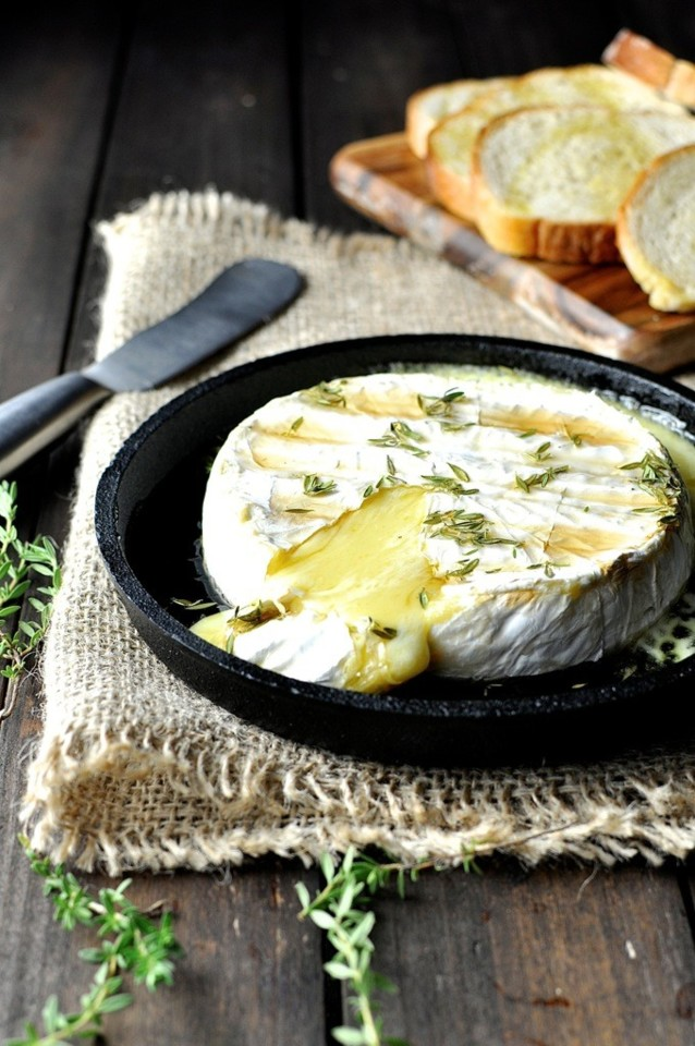 Baked-Brie-Maple-Syrup-Thyme-4.jpg
