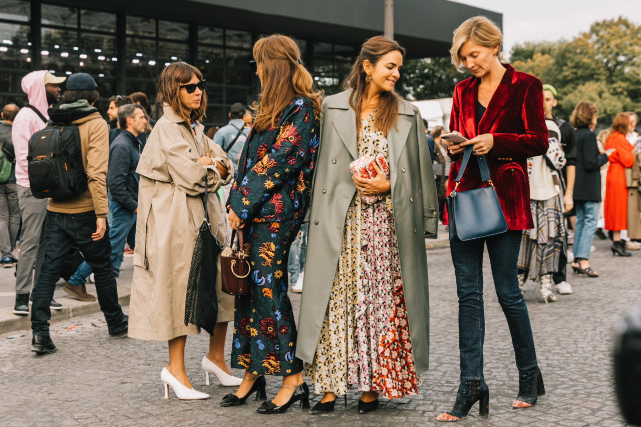 street_style_paris_fashion_week_2018_abrigos_falda