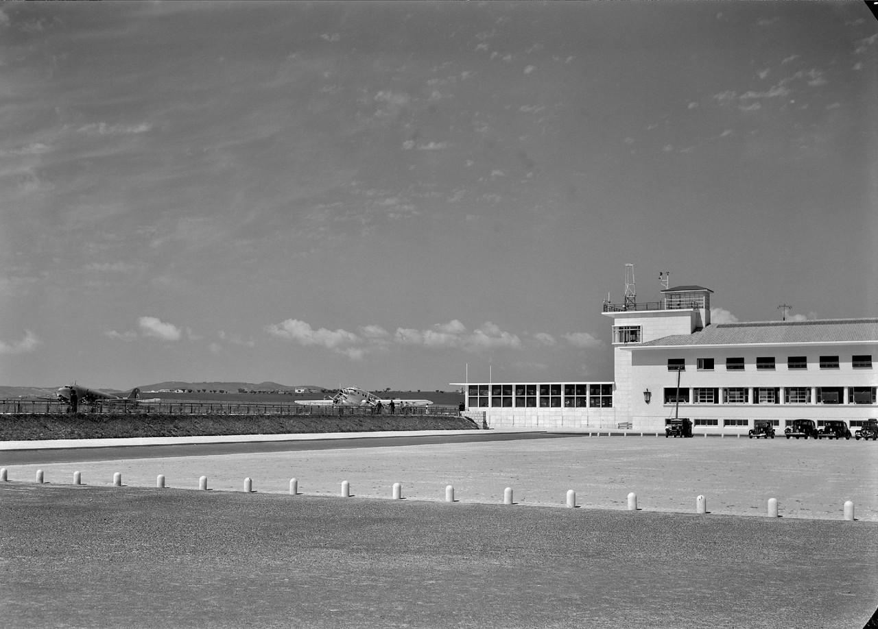 Aeroporto da Portela, Lisboa (H. Novaes, c. 1943)