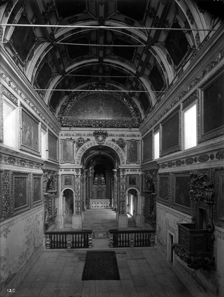 Igreja da Madre de Deus, interior, foto de Alexand
