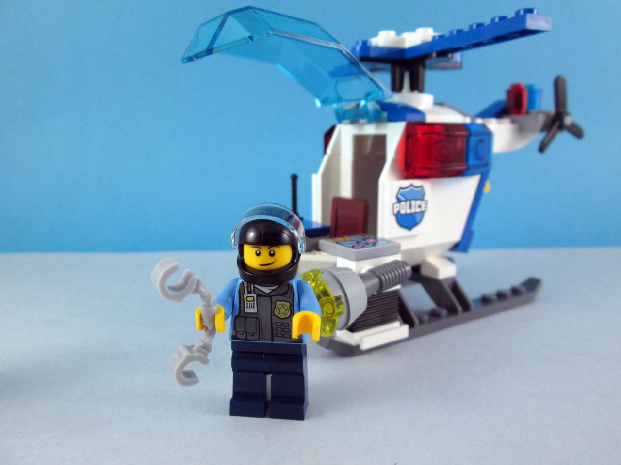 Feitos De Lego 10720 Juniors Police Helicopter Chase 3