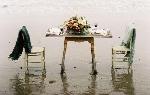mesa-na-praia-500x316.jpg