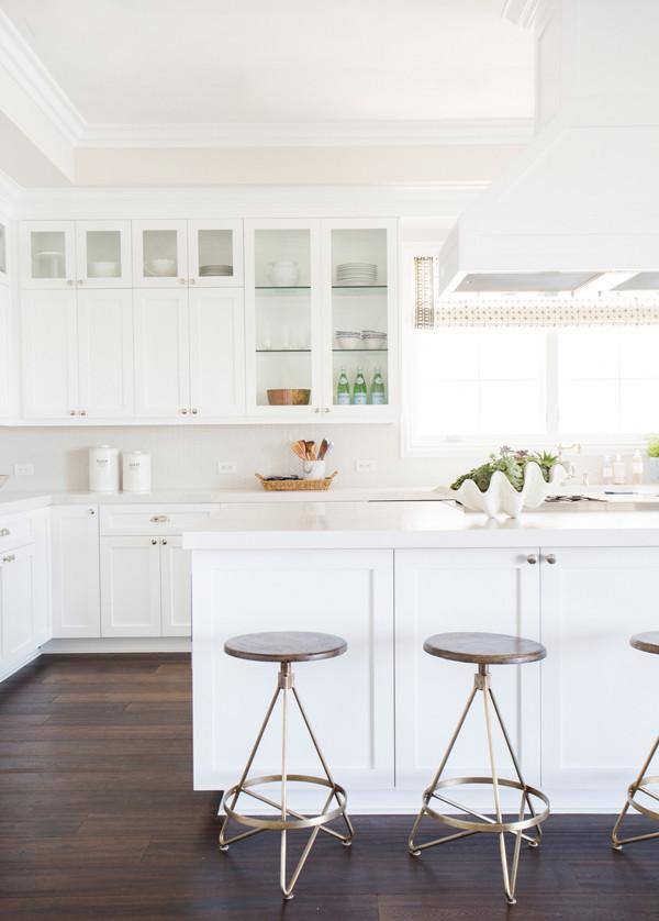 White-kitchen-with-herringbone-backsplash-Studio-M