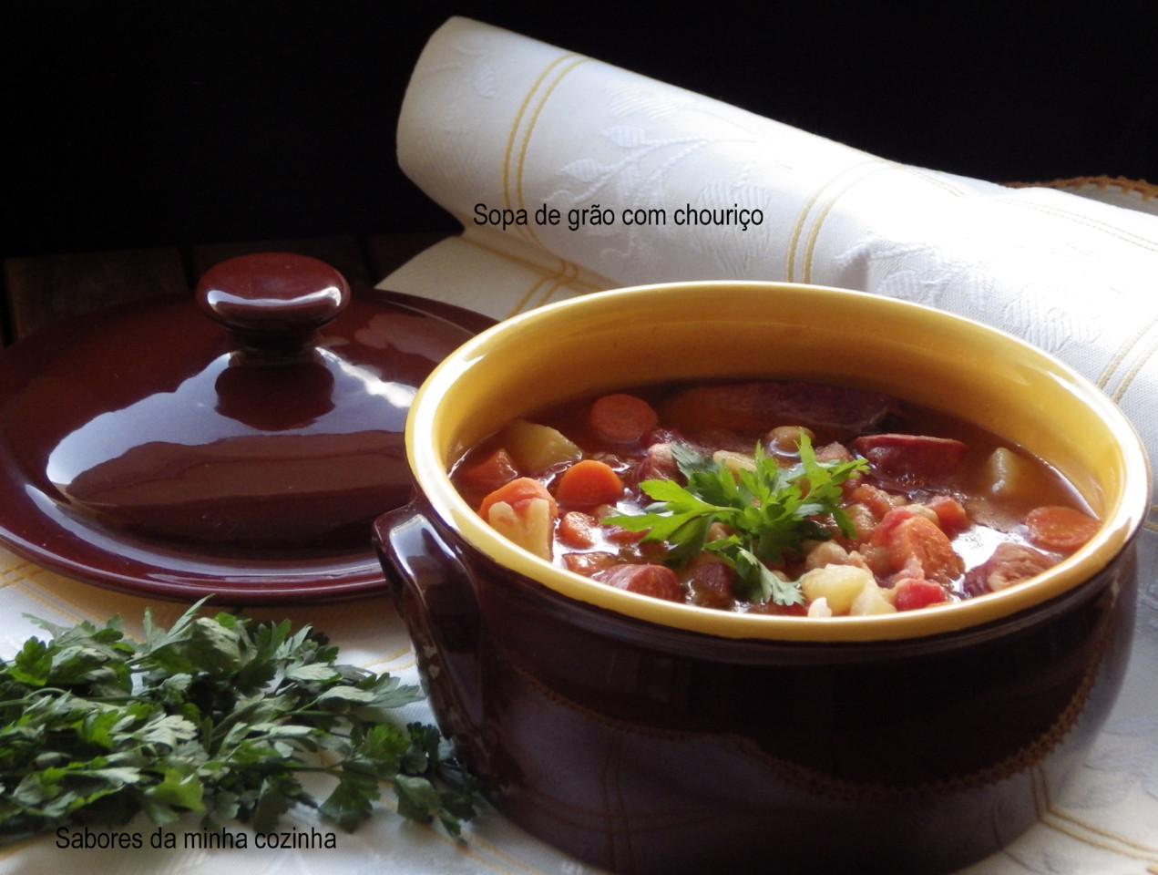 IMGP8369-Sopa de grão com chouriço-Sapo.JPG