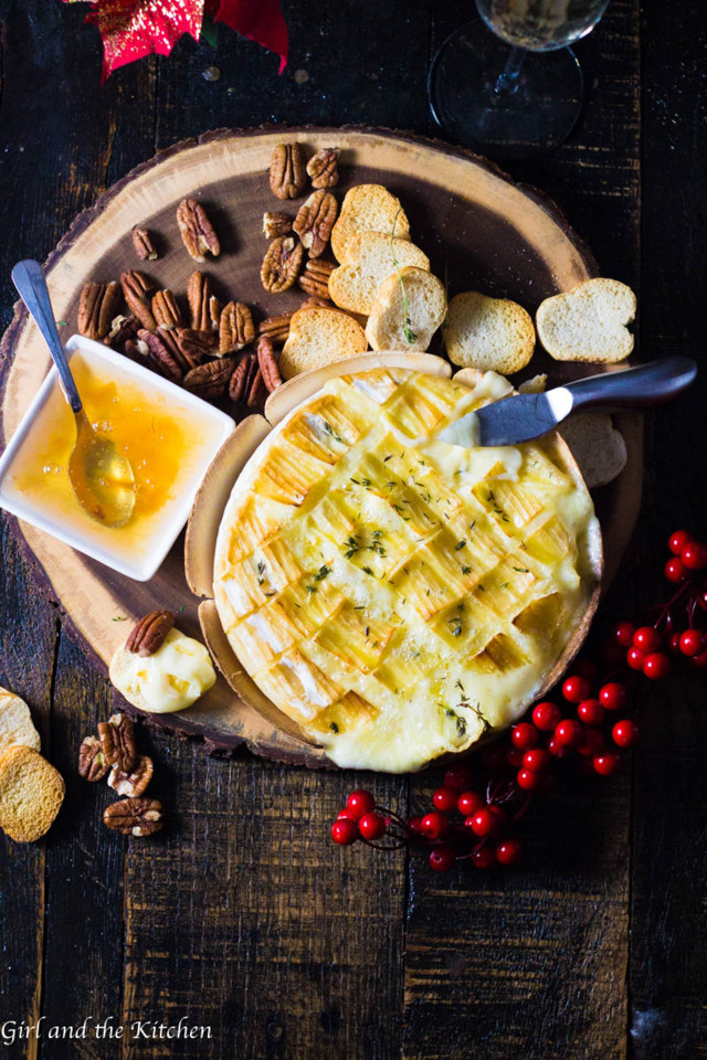 4-Ingredient-Garlic-Baked-Brie-8-of-9.jpg
