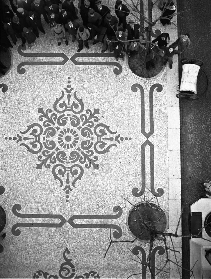 Calçada portuguesa, Av. da Liberdade, 1944, foto
