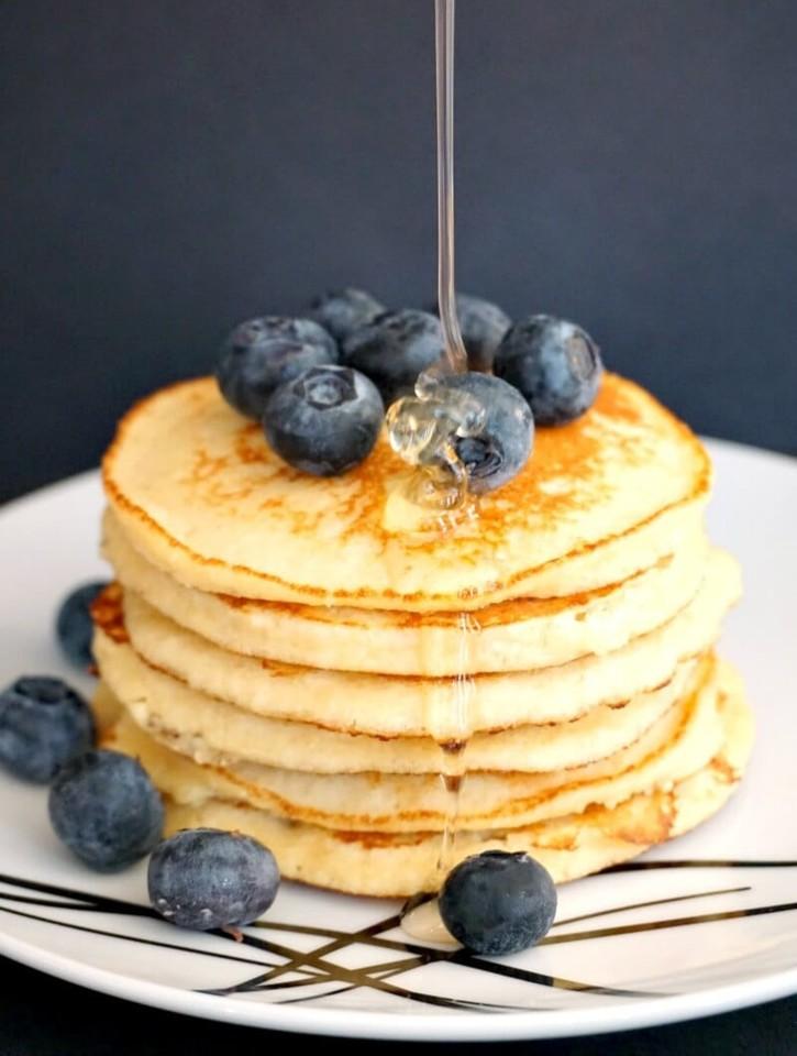Low-Carb-Almond-Pancakes-5.jpg