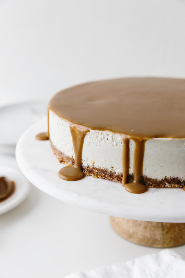 vegan-caramel-cheesecake-4.jpg